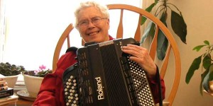 Pauline Oliveros in the Accordions Rising documentary film